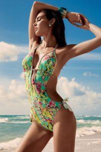 Read more about the article Úžasně pestré jednodílné dámské plavky Vacanze
