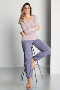 Pohodlné prodyšné a hebké dámské pyžamo