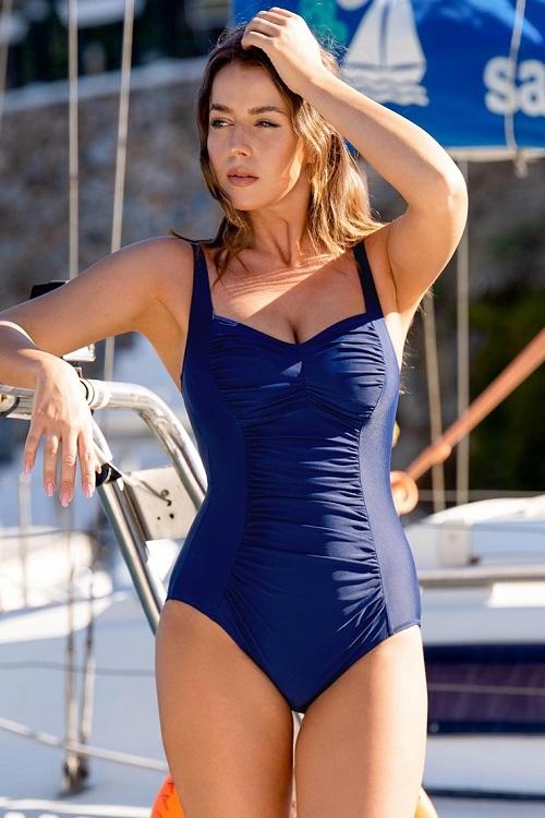 Read more about the article Elegantní bezkosticové jednodílné plavky